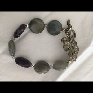 Stone and bead bracelet with leaf clasp